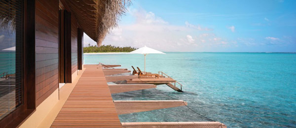 Five Stars Resorts In Maldives: Reethi Rah: 5 Stars Resort In Maldives Reethi Rah Grand Water Villa Exterior Design Surrounded By Chic Decking Wraparound Over Water Hammocks And Platforms For Sun Beds Ideas