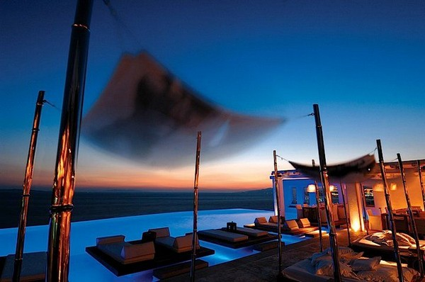 Spectacular Infinity Pool 2 : Amazing Aureasf Infinity Pool Design At Night With Lounge Lighting Unique Umbrella Ideas