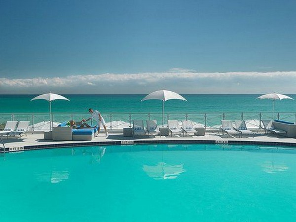 Spectacular Infinity Pool 2: Amazing Aureasf Infinity Pool Design With Lounge Umbrellas Fence Open Sea View Ideas