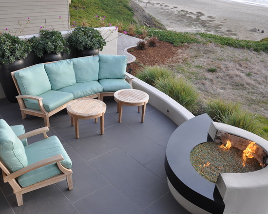 Amazing Backyard Patio Designs: Amazing Beach Style Landscape Backyard Patio And Porch With Built In Fire Pit