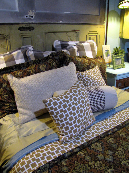 Extraordinary Sweater Pillow Covers : Amazing Eclectic Bedroom With The Sweater Pillow