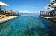 Most Spectacular Infinity Pools Design : Amazing Hanging Infinity Pool Design With Lounge Umbrella Fence Ideas