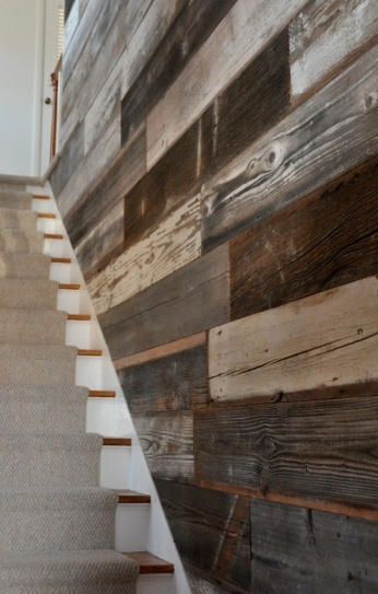 Awesome Reclaimed Wood Wall Design Ideas: Astonishing Reclaimed Wood Wall Beside Upstairs Design As A Instant Focal Point