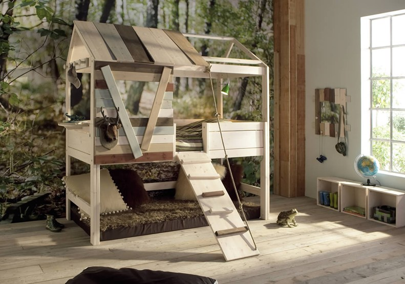 Charming Interesting Bunk Bed Designs For Kids Bedroom: Awesome Bedroom DesignTree House Unique Bunk Beds Arts Natural Design Ieas Head Deer And Frog Ornament