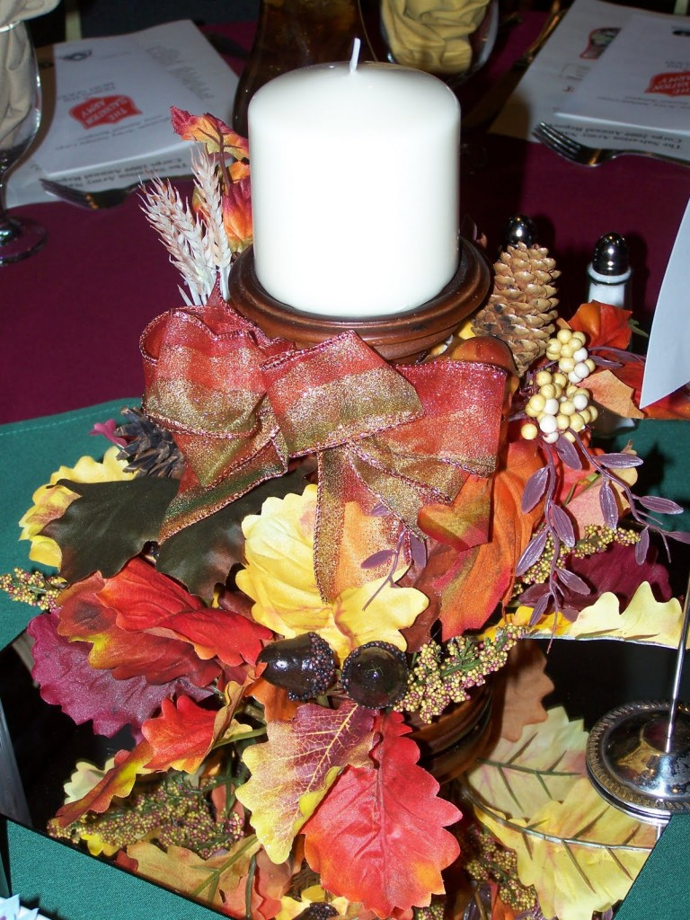 Fascinating Christmas Banquet Table Decoration Ideas : Awesome Christmas Banquet Table Decoration Ideas Amazing Big Candle And Fall Palm Leaves For Christmas Banquet Table Centerpice