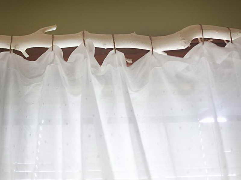 Window Treatment Ideas: DIY Unique Branch Curtain Rod Decoration: Awesome DIY White Branch Curtain Rod With White Curtain Design Ideas