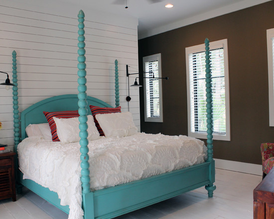 Apply Turquoise Bed Sheets For Amazing Bedroom: Awesome Tropical Bedroom Turquoise Antique Bed With Light Blue Color