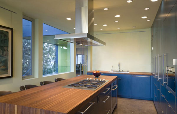 Hover House 3: Colorful Sustainable House in California: Beautiful Bright Color Kitchen Design With Wood Countertop Kitchen Island Stainless Steel Cabinet And Ceiling Lamps Ideas