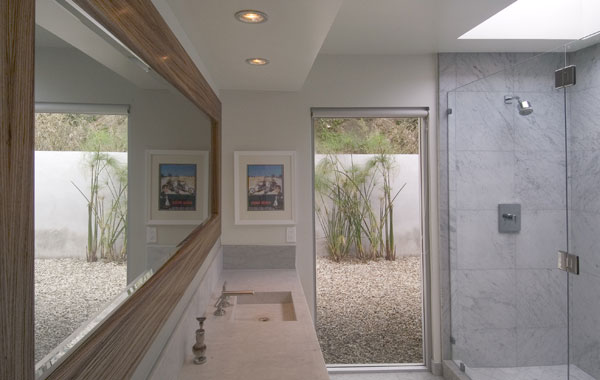 Celebrity Houses In LA, Byron Allen Home : Beautiful Celebrity House In LA Byron Allen Home Bathroom Interior Design Big Mirror Shower Ideas