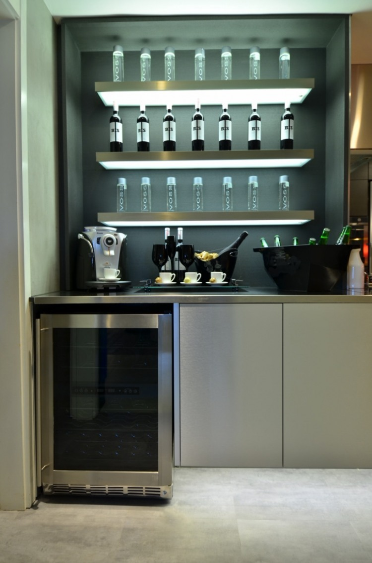Urban Live-In Kitchen Concept : Beautiful Clean Lined Interior Of Live In Kitchen Design