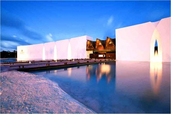 Most Spectacular Infinity Pools Design : Beautiful Grand Velas Infinity Pool Design Ideas
