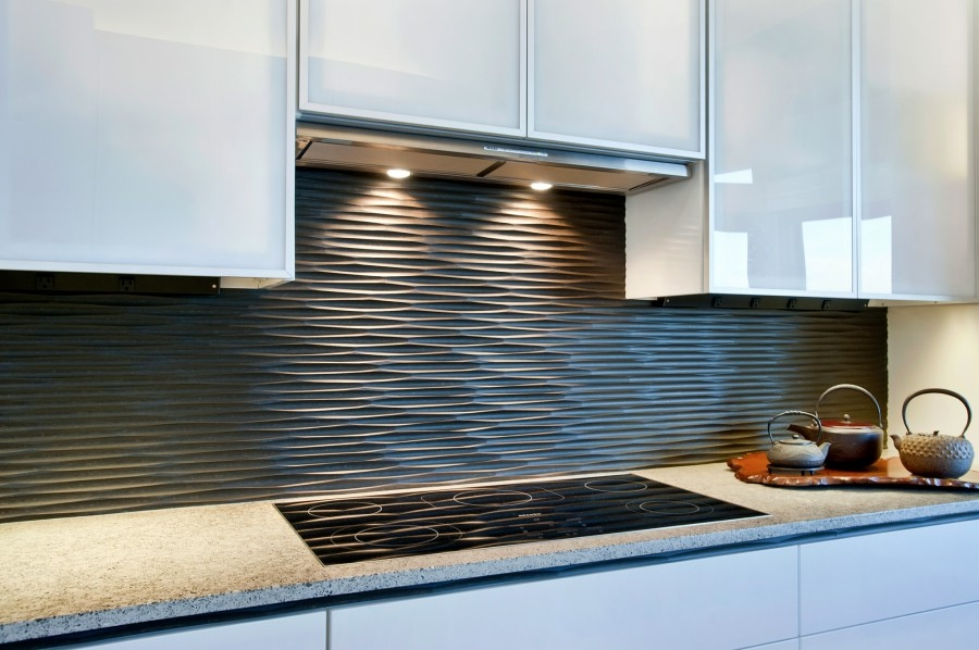 Kitchen Backsplash Design Ideas : Beautiful Kitchen Cabinet Design With  Cool Black Graphic Wavy Backsplash Ideas