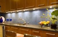 Kitchen Backsplash Design Ideas : Beautiful Kitchen Design With Tile Backsplash And Cabinet Lighting Ideas