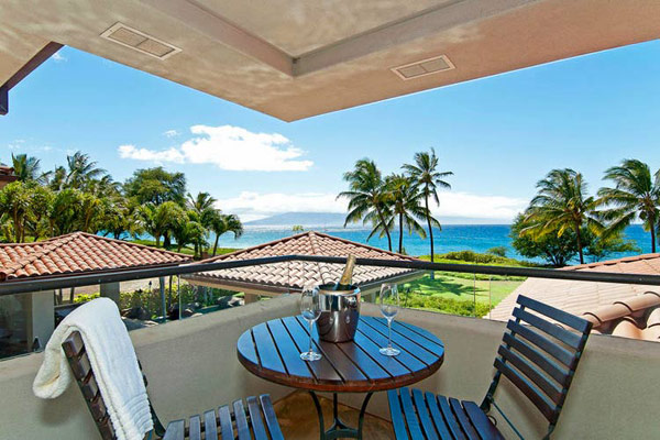 Tropical Gardens And Ultimate Villa Design In Maui, Hawaii: Thousand Waves Holiday Villa : Beautiful Maui Natural Landscape And Sea View From Second Floor Balcony With Wooden Furniture