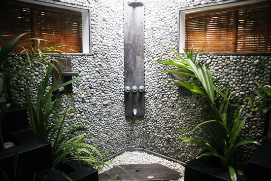 Pictures Of Inspiring Outdoor Shower Design Ideas : Beautiful Open Sky Shower Design With Natural Stone Wall Plants Ideas
