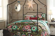 Flaunt Your Bedrooms with Decorative Canopy Beds (part-1) : Beautiful Pottery Barn Teen Bedroom Design With A Stylish Iron Frame With Smooth Curves And Sharp Angles Open Mansion Canopy Bed