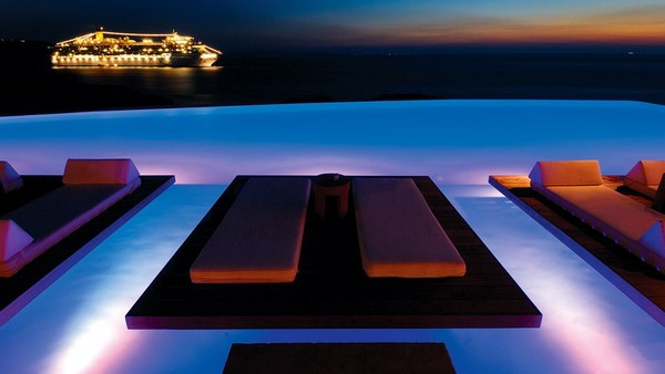 Most Spectacular Infinity Pools Design: Beautiful Sea Side Infinity Pool Design With Lounge Lighting Ideas