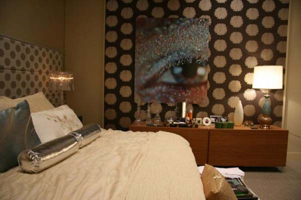 Blair Waldorf's Eclectic Mix Of Classic And Trendy Bedroom Decor: Beautiful Serena Bedroom Decor With Wall Decor Lamps King Bed Pillow Table Ideas ~ stevenwardhair.com Apartments Inspiration