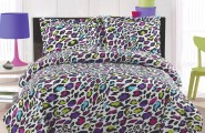Sleek Color Combination For Bedroom Decoration : Bold Color Impact Leopard Print Comforter With Ferocious Black And White Pattern Ber Cover And Bright Room Accents Room Interior