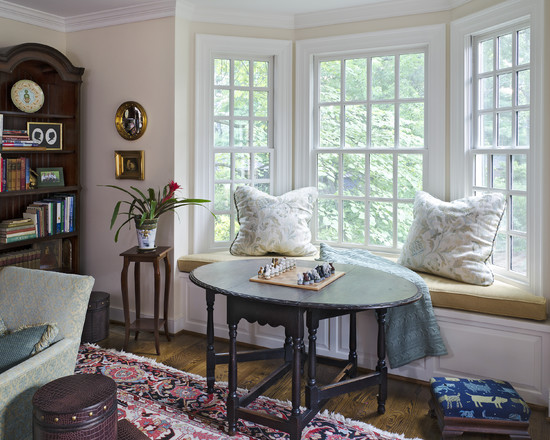 Cozy Bayleaf Wreath : Breathtaking Traditional Family Room Bayleaf Wreath Bay Windows With Reading Nook For Dinning Room And Study