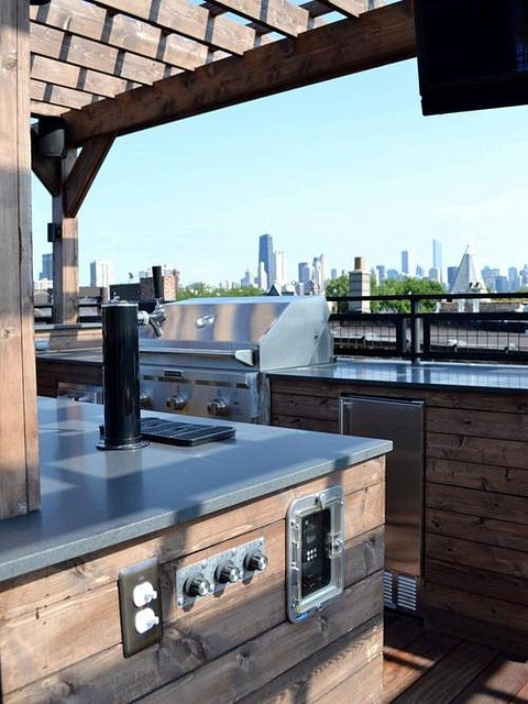 Awesome Outdoor Kitchen Designs That Will Make Your Patio Stylish And Inviting: Casual Outdoor Kitchen Designs Ideas With Marble Top Curved Outdoor Kitchens Complete With Kitchen Appliance Stove Mini Bar Opened Exposed Wooden Ceiling