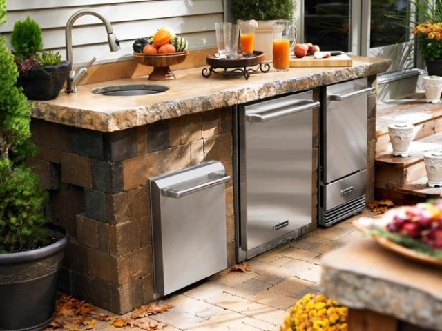 Awesome Outdoor Kitchen Designs That Will Make Your Patio Stylish And Inviting: Casual Outdoor Kitchen Designs Ideas With Outdoor Metal Warming Drawers Can Be Set To Maintain A Wide Range Of Temperatures And Washbasin And Kitchen Isle