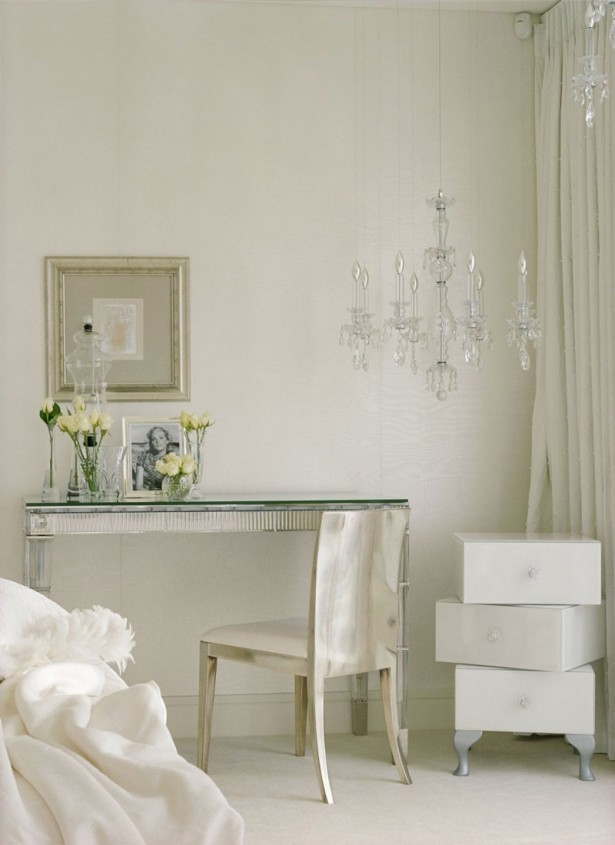 An Extraordinary Weekend Getaway at the Kensington House: Chandelier Tabletop White Curtain Hanging Painting White Wallpaper ~ stevenwardhair.com Country Home Design Inspiration