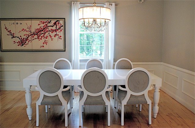 The Right Way Choosing A White Paint For Home: Choosing Snow White Contemporary Dining Room Paint It With A Glossy Dining Table At Wooden Laminate Floor