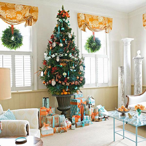 Give The Christmas Spirit into Your Living Room: Christmas Spirit Of White Living Room With Green And Orange Color Theme Decoration