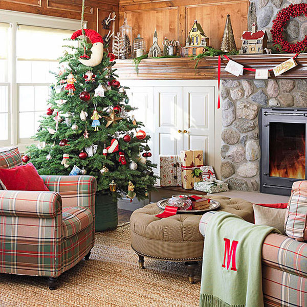 Give The Christmas Spirit into Your Living Room : Christmas Spirit Of Wooden Living Room With Green White Red Color Christmas Decoration