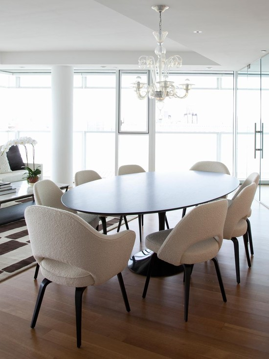 Excellent Sarineen Table For You Beautiful Home : Contemporary Dining Room Saarinen Table Arm Chair With Wood Legs And Oval Tulip Table Plus Chandelier