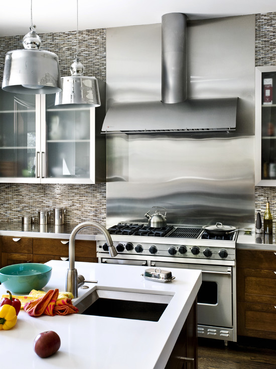 Modern Stainless Steel Backsplash In The Kitchen: Contemporary Kitchen With Beauteous Stainless Steel Kitchen Backsplash And Appliances Behind The Range And Vent Hood Stove Plus Cabinets With Stainless Steel
