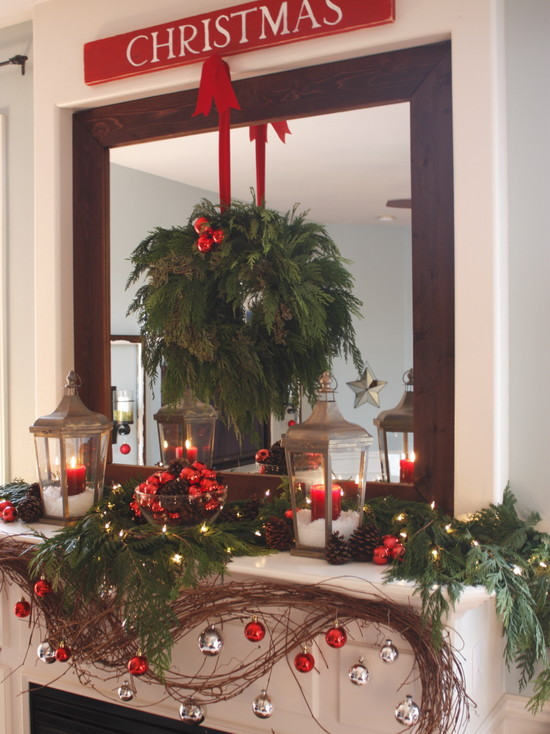Home's Door Wreath Designs: Contemporary Living Room Lights Wreath And Candles On Mirror