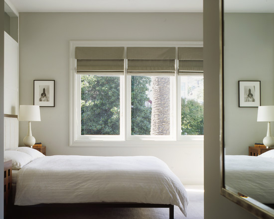 Room Decor With Insulated Roman Shades: Contemporary Small Bedroom With Insulated Roman Shades At Vinyl Windows