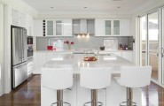 Moden Sleek White Kitchen Design Style : Contemporary White And Cream Kitchen Design Ideas With Complimented With Stainless Steel Appliances Decoration Nd Parquet With Bay Window