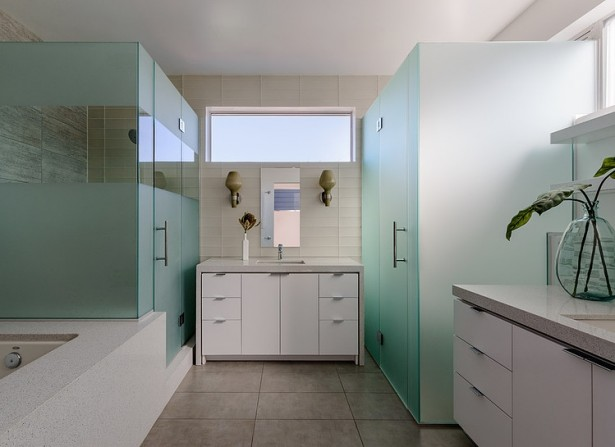 Californian Peninsula House: An Original Modern Architecture and a Compact Shape: Cool Clean And Healty Peninsula House Modern Bathroom Design ~ stevenwardhair.com Architecture Inspiration