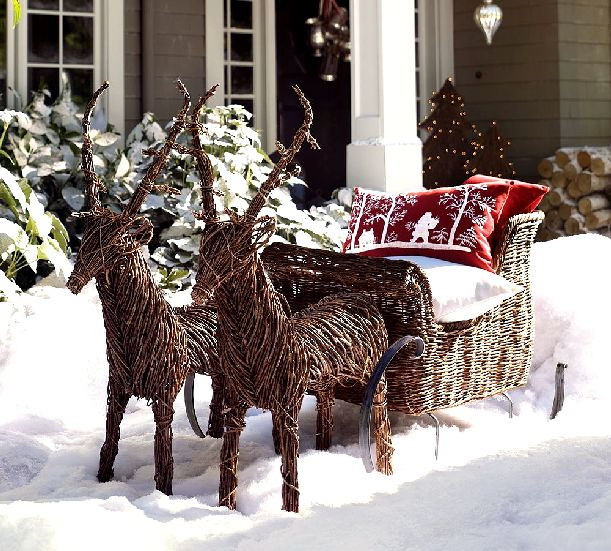 Front Porch Christmas Decorating Ideas: Cool Front Porch Outdoor Christmas Decoration With Inspiring Rattan Reindeer And Red White Cushions Ideas