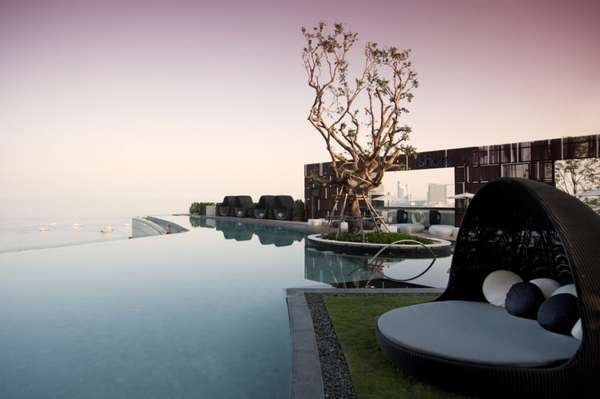 Spectacular Infinity Pool 2: Cool Infinity Pool Design With Rattan Lounge Rug Cushions Ocean View Ideas
