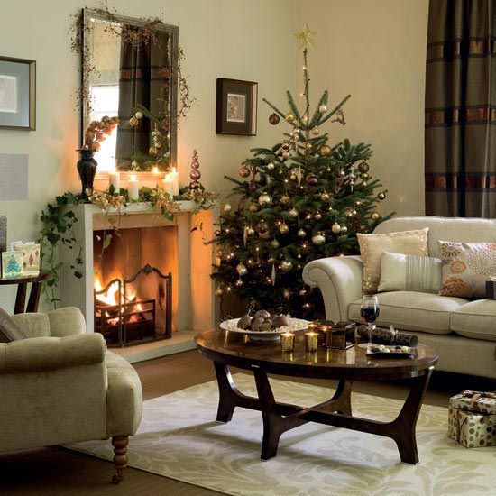 Beautiful Christmas Tree Decorating Ideas: Cool Living Room Christmas Tree Decorations With Fireplace Mirror Decoration