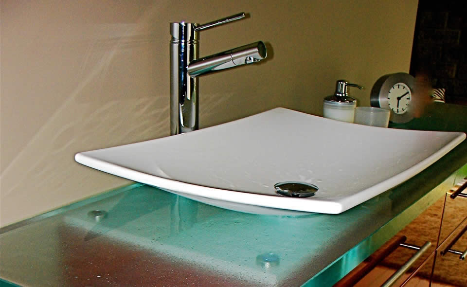 Bathroom Vanity Glass Countertop Design Ideas: Cool Minima Crystal Color Polished Glass Countertop And Vessel Sink Faucet Stainless Steel Cabinet Ideas Reflects The Trend Towards Contemporary Bathroom Design