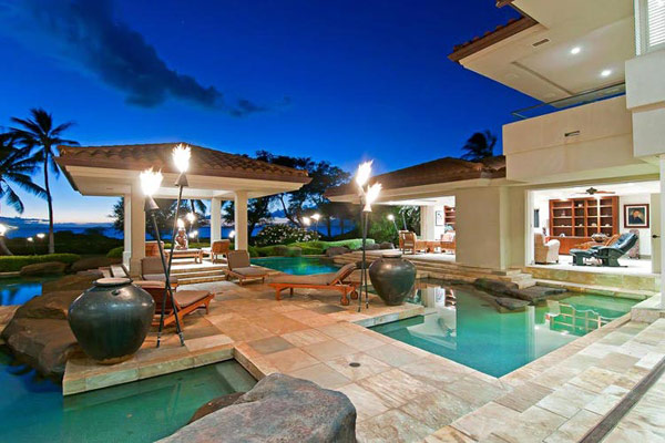 Tropical Gardens And Ultimate Villa Design In Maui, Hawaii: Thousand Waves Holiday Villa : Cool Slate Floor Courtyard For Private Sunning Outdoor Design With Lounge Heated Lap Pool And Chinese Pavilions And Torch Light Surrounding Beautiful Natural Landscape
