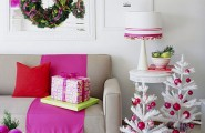 Beautiful Living Rooms Christmas Decoration Ideas : Cozy And Colorful Christmas Living Room Decoration With Purple Ribbon Green Wreath With Simply White Christmas Tree Ideas