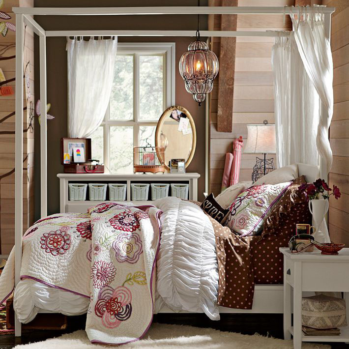 Flaunt Your Bedrooms with Decorative Canopy Beds (part-2): Cozy And Comfort Teenage Girl Bedroom With Perfect Small White Canopy Bed