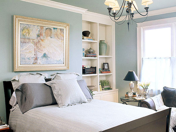 Small Master Bedroom Colors Design Ideas: Cozy Blue Relaxing Master Bedroom Colors Design With Shelf Chandelier Wall Decor Ideas