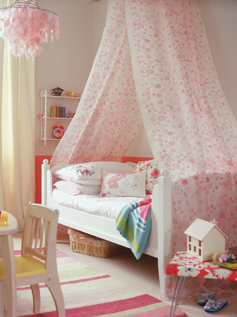 Pink and green girls bedroom ideas : Cozy Girl Bedroom With High Canopy Draped Over A Bed