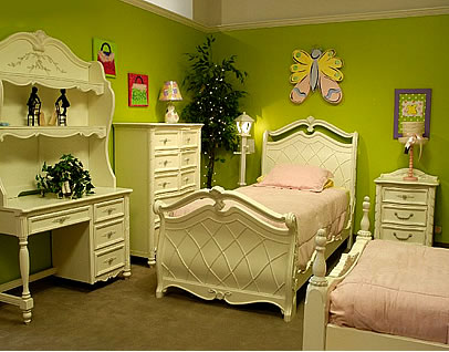 Cozy And Fun Tween Girl Bedroom Interior Ideas: Cozy Green Wall And White Furniture Of Tween Girls Bedroom Interior Design With Single Bed And Light Pink Bedcover With Table And Chest Of Drawer With Wall Decor Ideas