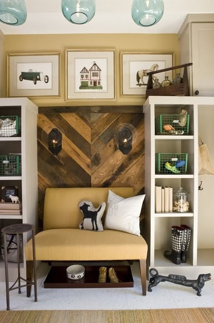 Awesome Reclaimed Wood Wall Design Ideas : Cozy Reclaimed Wood Backdrop With Bookshelves And Sofa With Pendant Lights And Wall Decor
