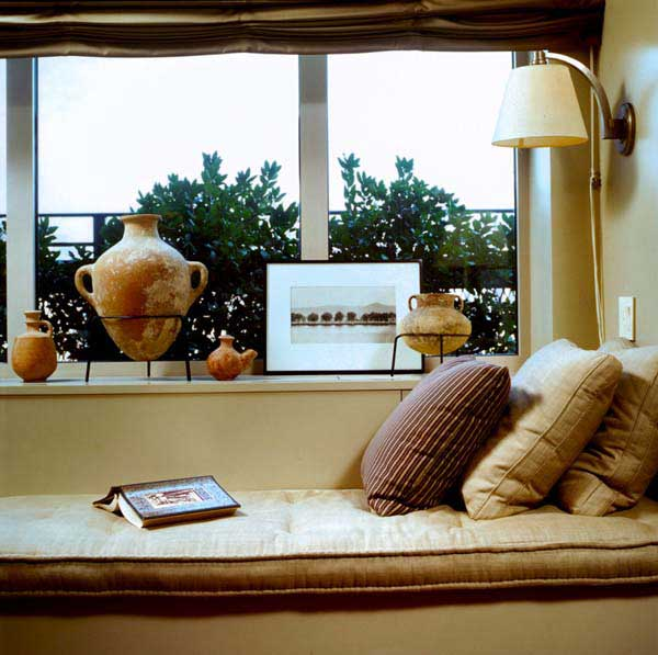 Ideas For Window Seats: Cozy Window Seats Design With Cushions Curtain Lamp Jars Ideas