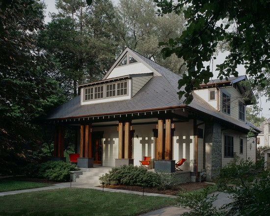 All Kinds Of Excellent Porch Rail Designs: Craftsman Porch Simple Design And No Guardrail With The Cream Color On The Main House