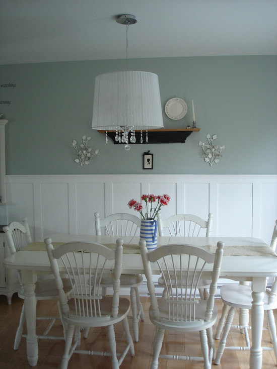 All Kinds Pictures of Dining Rooms With Wainscoting : Eclectic Dining Room Mid Height White Wainscotting Vintage Table And Chairs